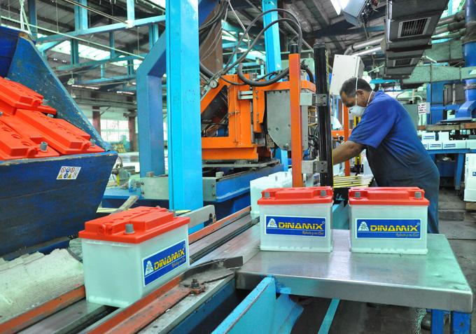 Prevén cumplir planes en la Fábrica de Acumuladores de Manzanillo
