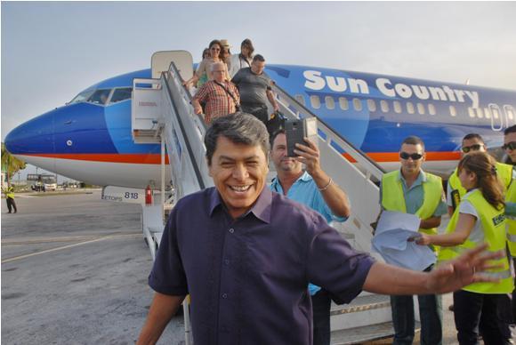 Álvaro Torres llega a la ciudad de Holguín