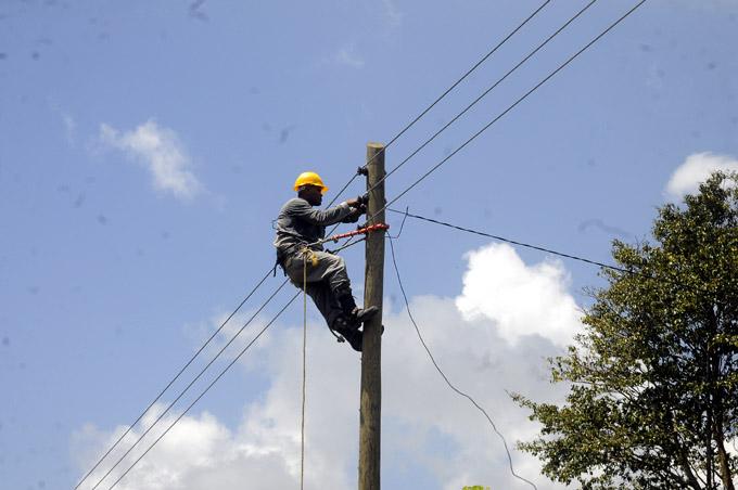 Electrificación, Pilón, Granma