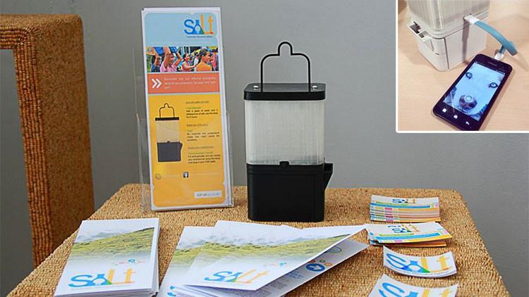 SALt: La lámpara que alumbra solo con agua y sal