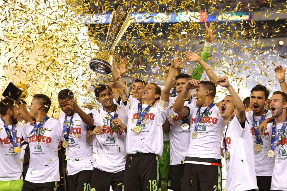 ¡Gana México la séptima sin ayuda del árbitro!