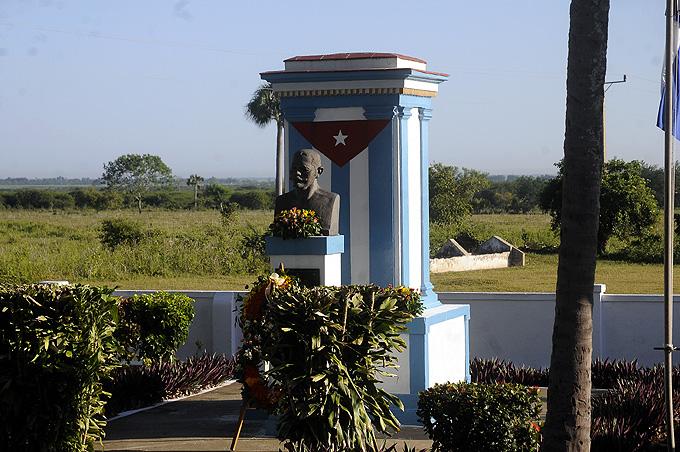 Conmemoran aniversario 120 de la batalla de Peralejo