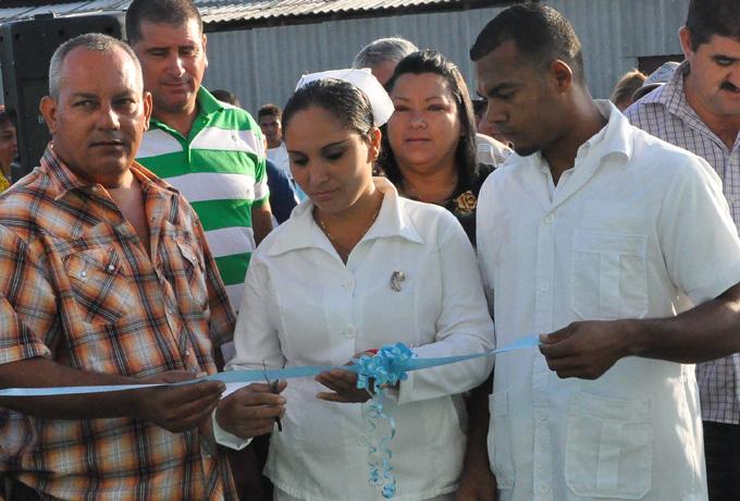 Inauguran obras en Yara