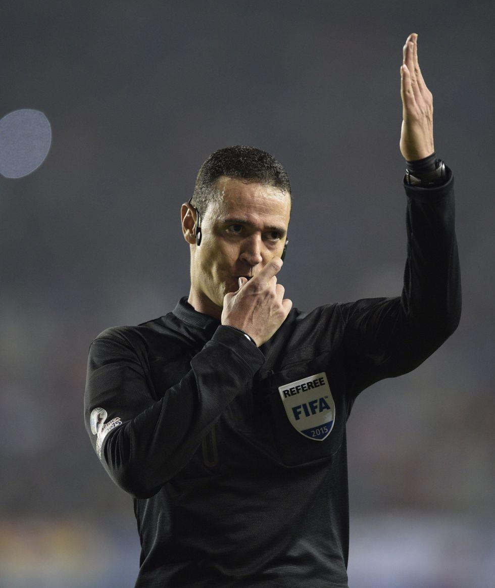 El colombiano Wilmar Roldán pitará la final Chile – Argentina