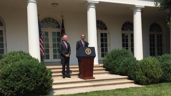 El Presidente Barack Obama y el Vicepresidente Joe Biden, en el Rose Garden de la Casa Blanca esta mañana. Foto: Casa Blanca