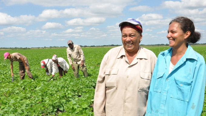 Crece protagonismo de la mujer en la agricultura
