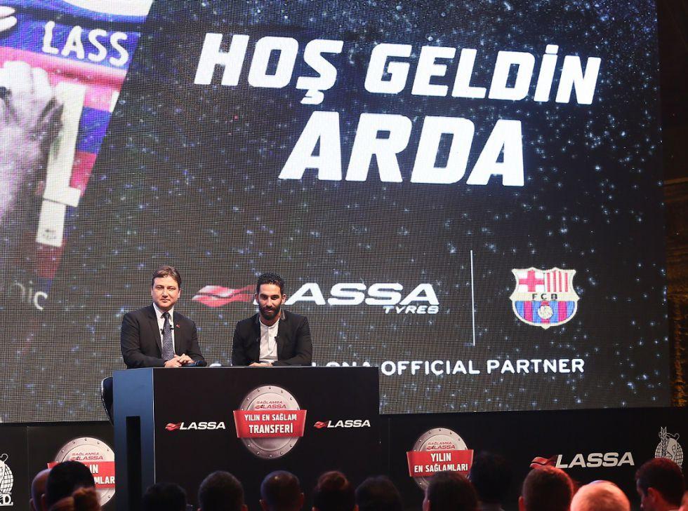 """Arda Turan: """"Mi padre admiró a Cruyff, me gustaría llevar el 14"""""""