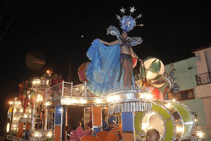 Bayamo, con carnaval único y bien caliente