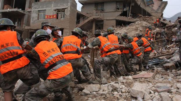 Continúan desaparecidas 53 personas por deslave en noroccidente chino