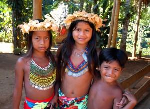 Día Mundial humanitario mujeres-niños-niñas