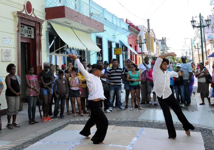 Presentaciones danzarias cautivan la atención de bayameses y visitantes