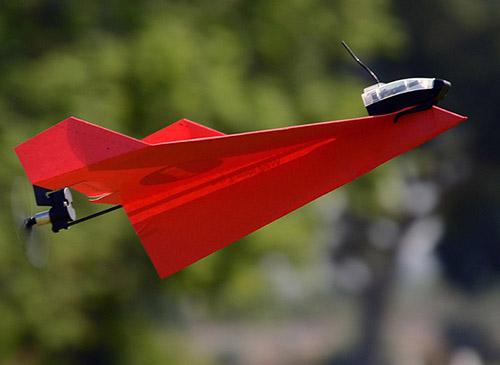 EE.UU. aprueba el uso de drones de papel para filmar videos y hacer fotos