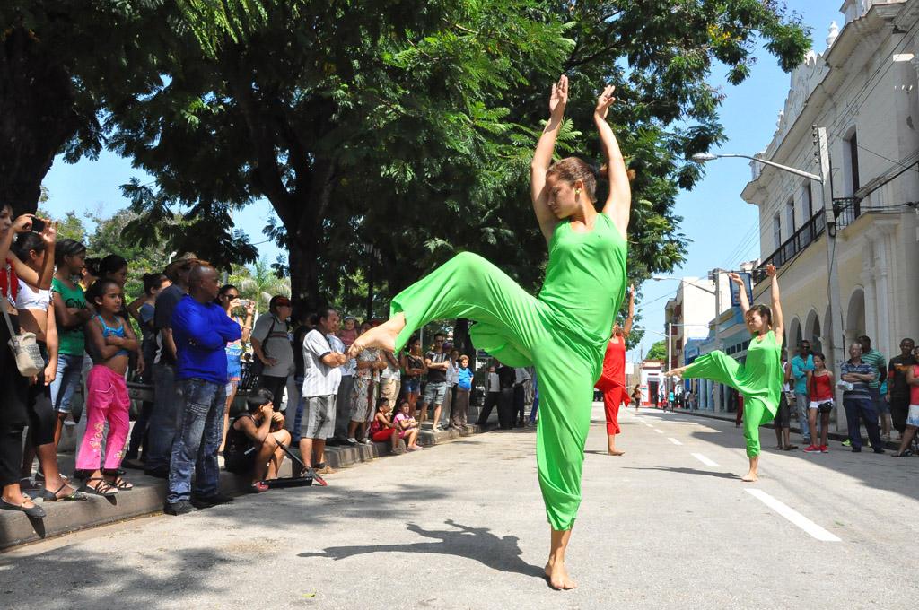 CIA Grandanza presenta su obra Mujeres en calle oscura, en Bayamo