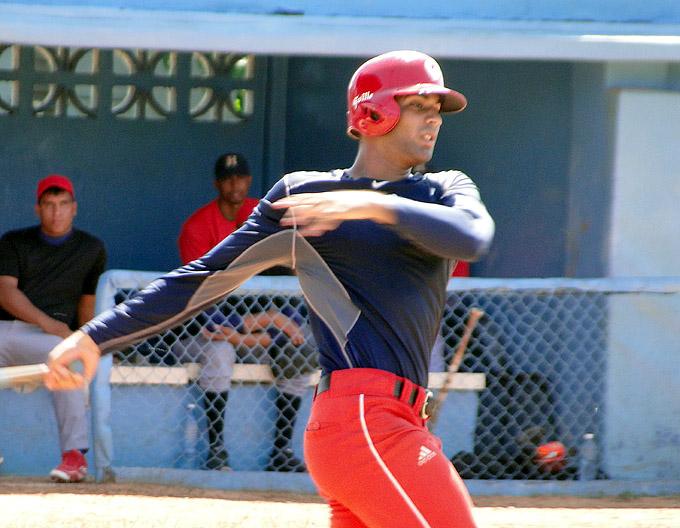 Vence Granma a Las Tunas en amistoso de béisbol
