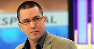 Critican postura antivenezolana de Álvaro Uribe