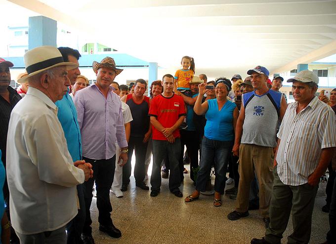Analiza Machado Ventura situación de la ganadería en Las Tunas