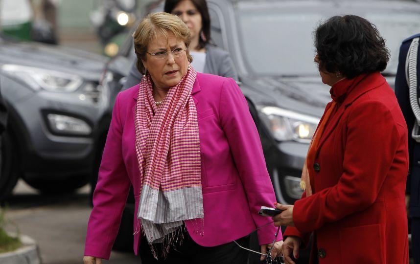 Bachelet suspende actividades del lunes y viaja a zonas afectadas por intensas lluvias