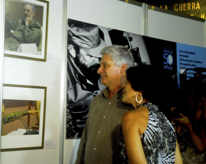 Inaugura Díaz-Canel muestra fotográfica en homenaje a Fidel Castro