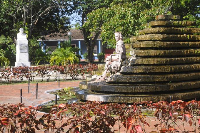 Monumento a Celia Sánchez, Media Luna