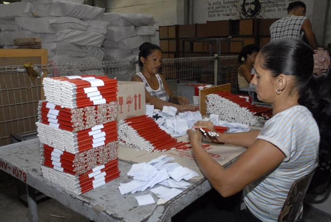 Producción de lápices, Manzanillo