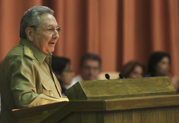 Envía Raúl condolencias a Vietnam por desastre natural