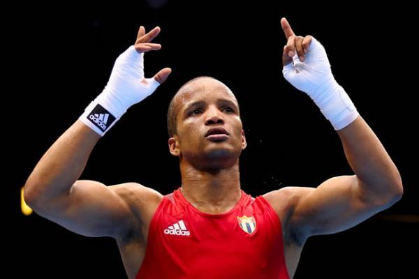 Cinco cubanos con plazas en premundial de boxeo