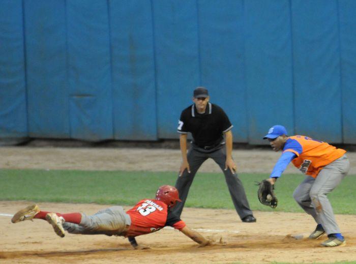 Clasifica Sancti Spíritus a final del torneo nacional sub 23 de béisbol