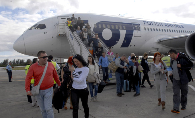 Crecieron en 23,7 por ciento viajes al extranjero en Cuba en 2014
