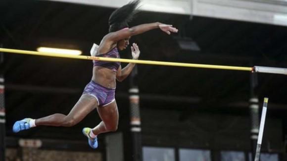 Implanta Yarisley Silva Récord Nacional y marca mundial del año con 4.91 m