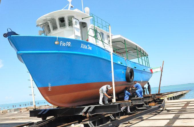 Construyen en Manzanillo, embarcaciones para captura del bonito