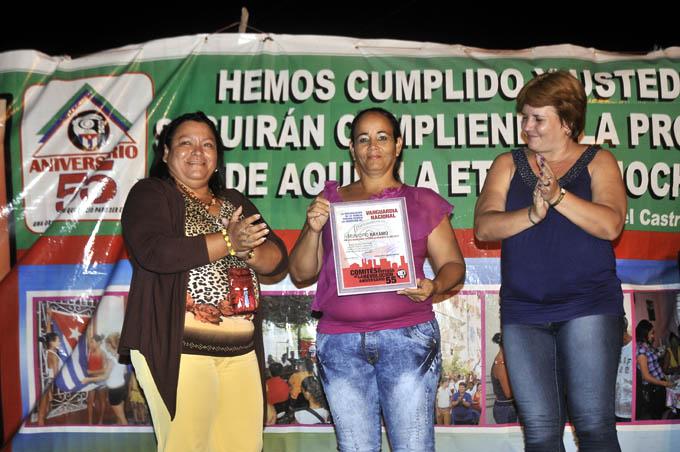 Entregan a Bayamo condición de Vanguardia nacional de los CDR