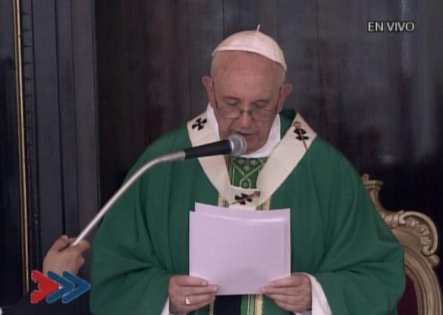 El Papa, pide paz en Colombia