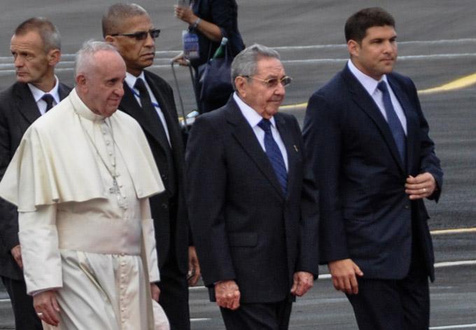 CUBA-LA HABANA-RECIBIO RAUL AL PAPA FRANCISCO