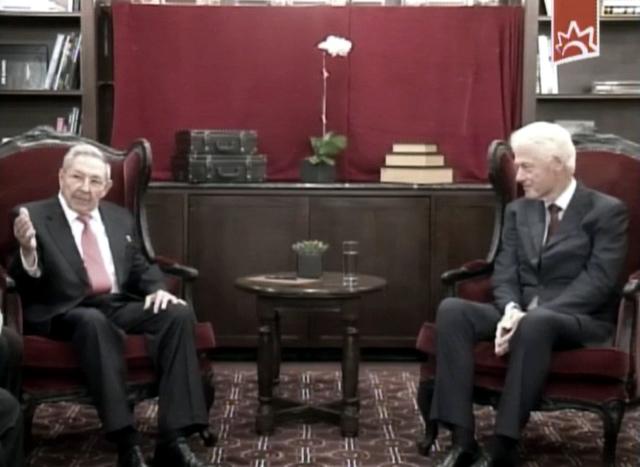 Encuertro entre Raúl Castro y Bill Clinton 1