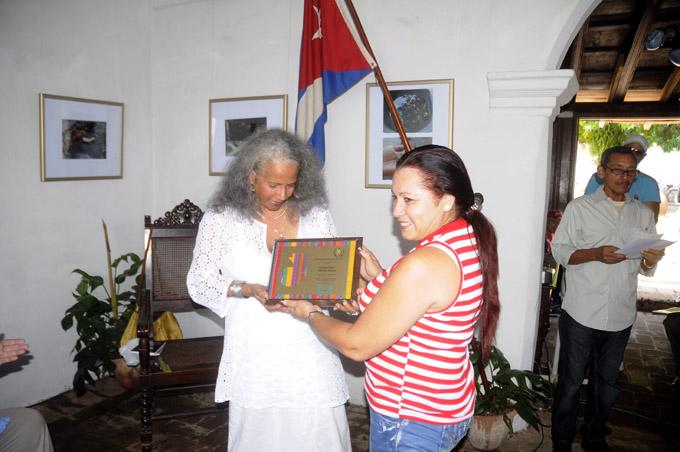 Entrega del premio al Mérito Literario José Joaquín Palma a Lucía