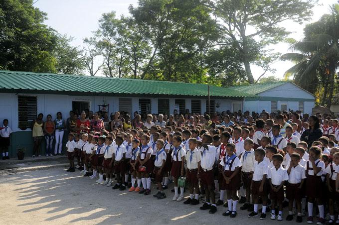 Reabre sus puertas escuela primaria Juan Gualberto Gómez, de Río Cauto