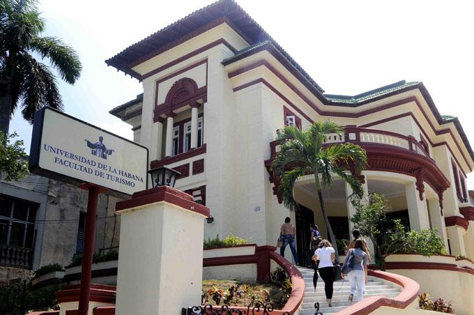 Abre sus puertas nueva Facultad de Turismo en La Habana