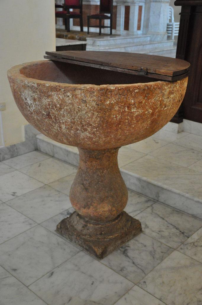 La pila donde se bautizaron importantes próceres