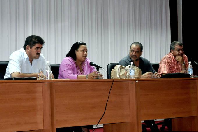 Las máximas autoridades del Partido y Gobierno provincial sostuvieron un encuentro con los productores / FOTO Luis Carlos Palacios Leyva