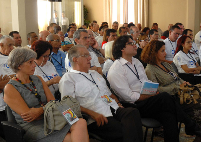 CUBA-CAMAGÜEY- INICIAN SESIONES DEL XXVI CONGRESO CUBANO ORTOPEDIA 2015