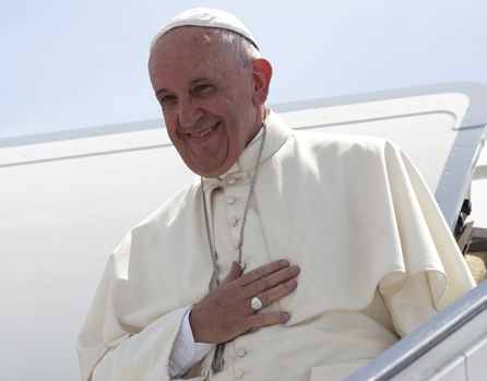 Envía Papa Francisco mensaje a Raúl