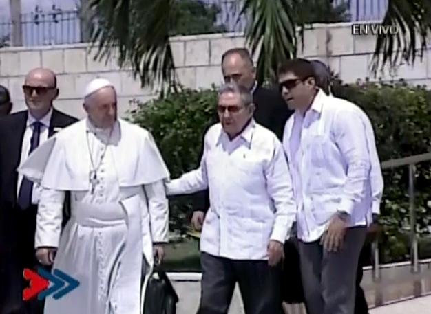 Raúl Castro despide al Papa Francisco