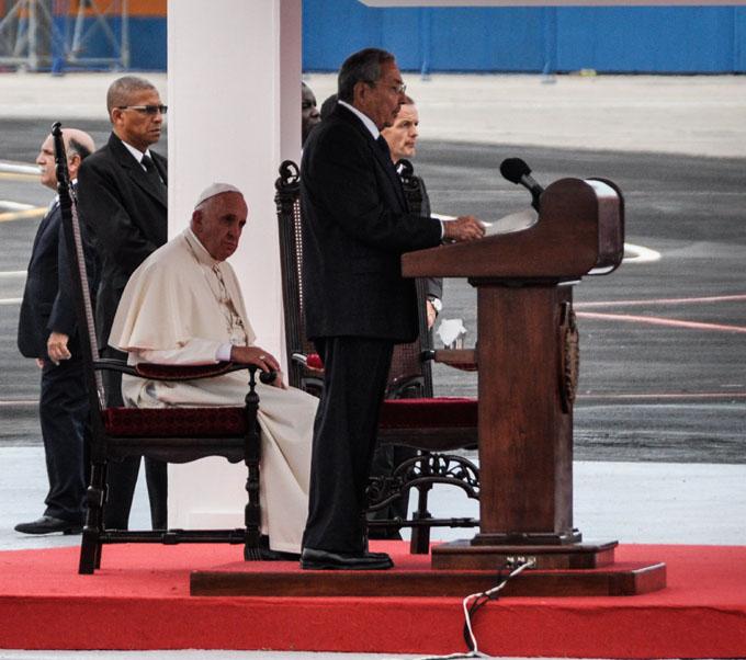 Discurso de bienvenida de Raúl al Papa Francisco