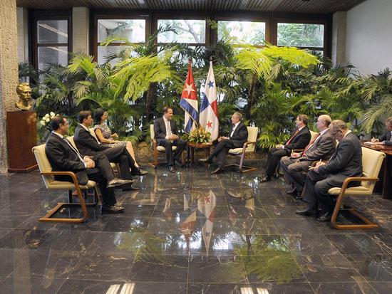 Recibe Raúl a Presidente de Panamá