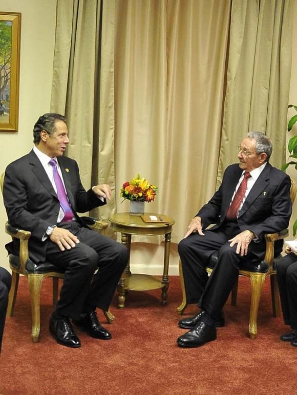 Raúl se reunió en la Sede de la Misión Cubana ante la ONU con el gobernador del Estado de Nueva York, Andrew Cuomo