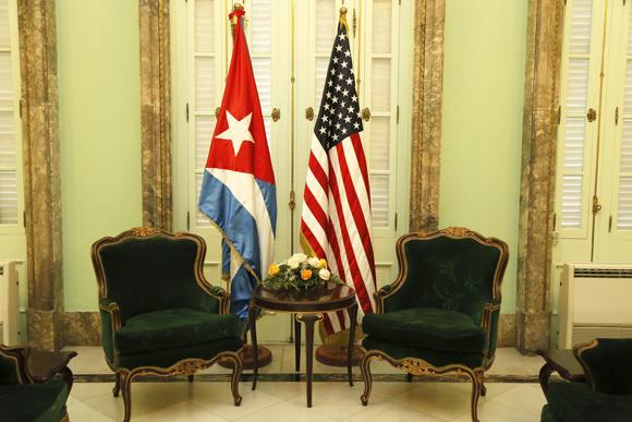 Cuba y EE.UU. dibujarán hoja de ruta hacia la normalización
