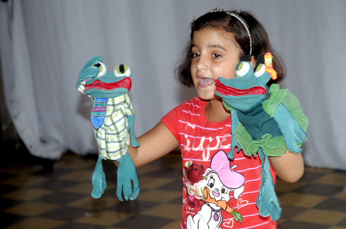 Realizan jornada teatral Títeres por la paz
