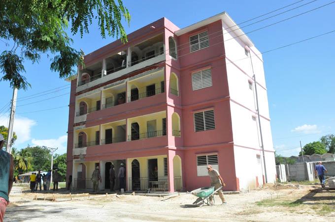 Entregan viviendas a personas afectadas por eventos meteorológicos en Río Cauto