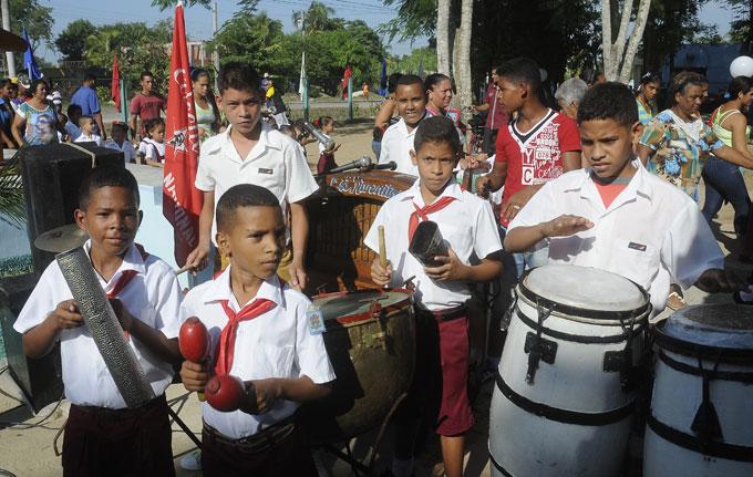 Perpetúan tradición del órgano infantil en escuelas de Granma
