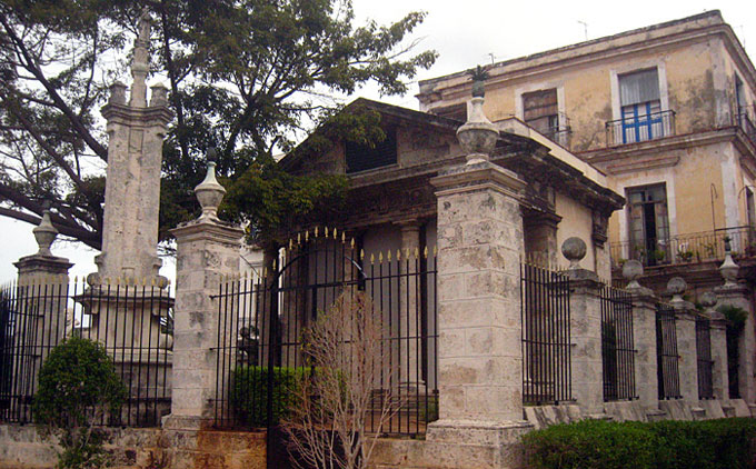 Templete, primera  construcción de carácter neoclásico de La Habana, y una de las obras civiles que más ha influido en la arquitectura de Cuba. / FOTO Tomada de internet